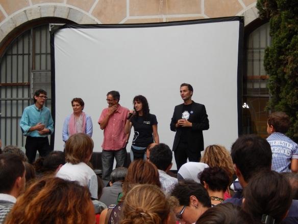 D'esquerra a dreta; Lluís Freixes (Casa de Cultura de Girona), Isabel Moradàs (regidora d'educació de l'Ajuntament de Giorna), Josep Calbó (vicerector de recerca de la UdG), Sílvia Simon (Directora de la C4D UdG i organitzadora de la Nit de la Recerca) i el científic, divulgador i presentador a TVC Dani Jiménez.