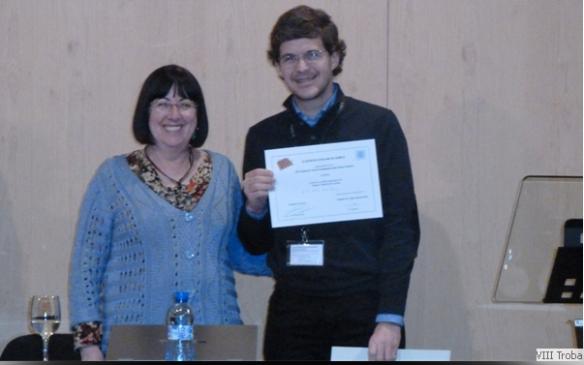 Rebent el premi de la mà de la Presidenta de la Soceitat Andorrana de Ciències.