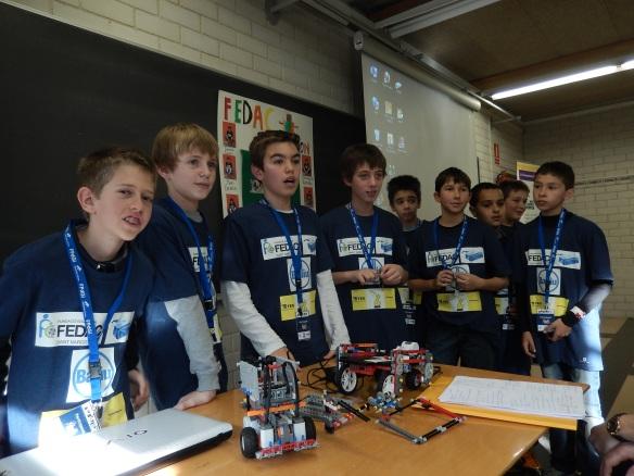 Valorant un dels grups, que ens mostra els seus robots.
